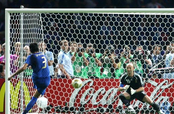 Giải Euro có một không hai: Nhà vô địch nâng cúp nhờ... tung đồng xu - 1