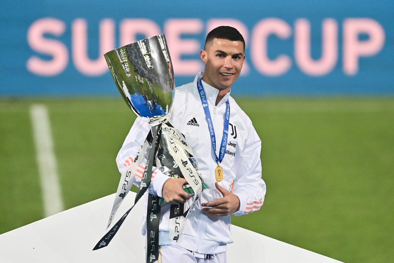"""Cristiano Ronaldo 36 tuổi: """"Cây trường sinh"""" kiệt xuất và ước mơ QBV thứ 6 - 5"""