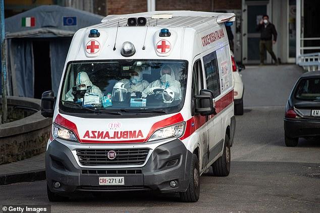 Ý: Mafia cấm xe cứu thương được hú còi - 1