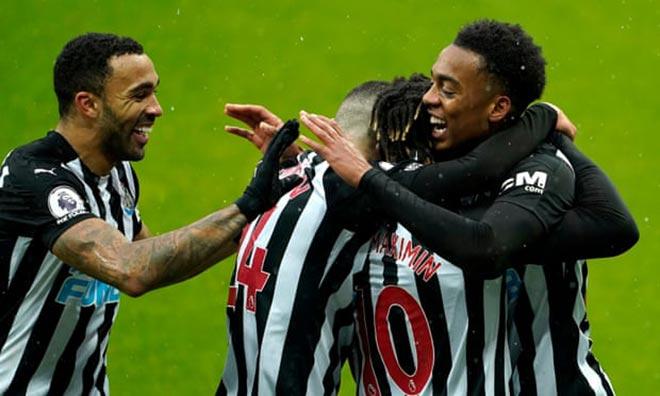 Video Newcastle - Southampton: Rượt đuổi 5 bàn, 9 người kiên cường bảo toàn 3 điểm - 1