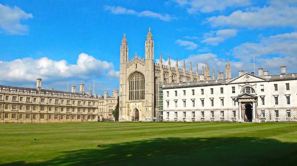 Phát hiện 200 bộ hài cốt có từ thời Trung cổ trong khuôn viên trường đại học - 3