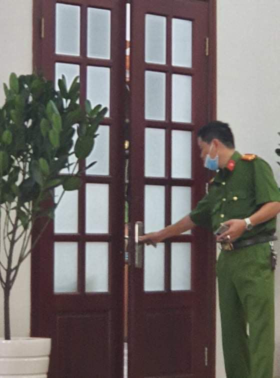 Khởi tố giám đốc, bắt giam phó giám đốc Bệnh viện Mắt TP HCM - 1