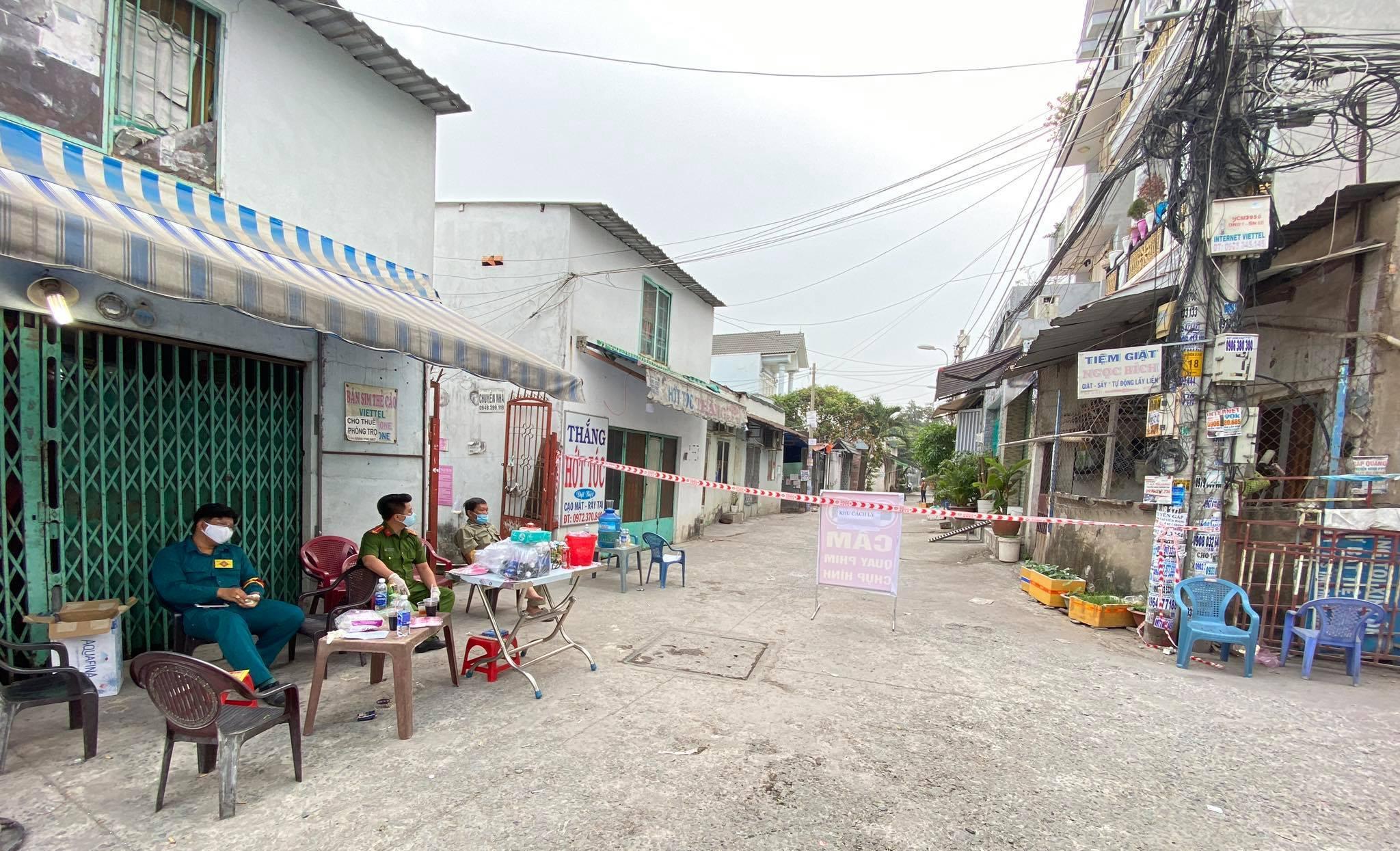 Khẩn: Người dự tiệc cưới nhà hàng Adora Nguyễn Kiệm, TP.HCM liên hệ ngay cơ quan y tế - 1