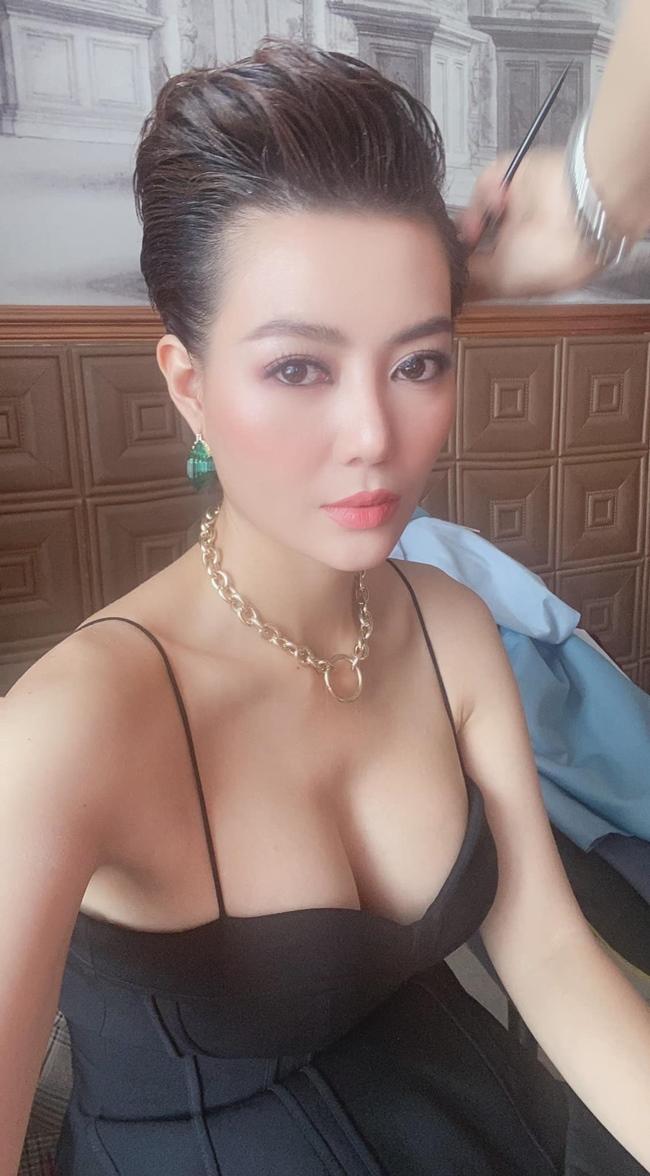 Nữ diễn viên sinh năm 1988 có gu thời trang gợi cảm, cá tính. Có sự nghiệp thành công song Thanh Hương chưa bao giờ công khai hình ảnh ông xã trước truyền thông.