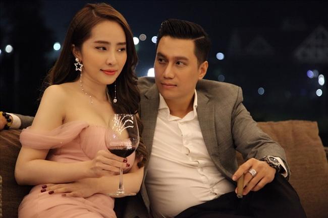 Sau Người phán xử, Việt Anh tiếp tục ghi dấu với loạt phim truyền hình ấn tượng khác như Mê cung, Sinh tử và mới đây là Hướng dương ngược nắng. Với vai diễn ấn tượng trong Sinh tử, nam diễn viên 8X xuất sắc giành giải Vàng tại LHP Truyền hình toàn quốc lần thứ 40.