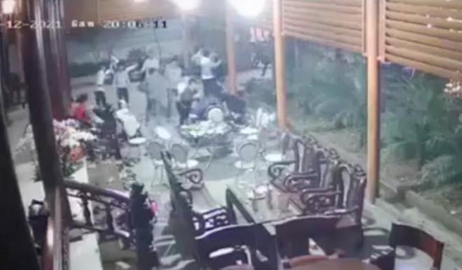 Vụ hàng chục thanh niên xông vào nhà chém người: Nguồn cơn từ cuộc rượu chúc Tết - 1