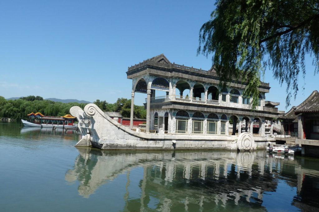 Mùa xuân châu Á cũng khiến du khách say lòng người bởi những cảnh đẹp này - 5