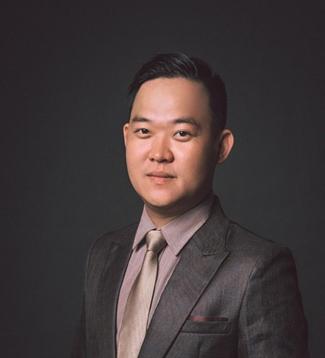 Cuộc sống thành công đáng ngưỡng mộ của chàng Việt kiều Canada Lê Hùng Phi - 1