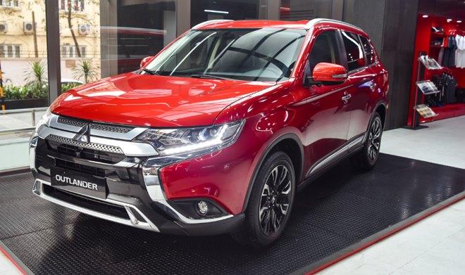 Giá xe Mitsubishi Outlander lăn bánh tháng 2/2021 - 1