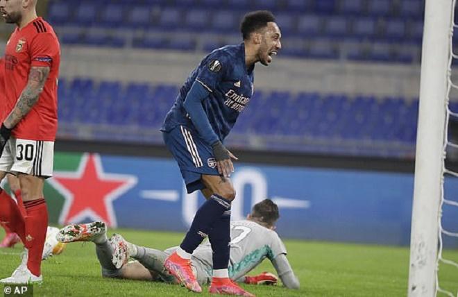 """Kết quả bóng đá Europa League, Benfica - Arsenal: """"Sát thủ"""" hóa """"chân gỗ"""", suýt phải ôm hận - 1"""