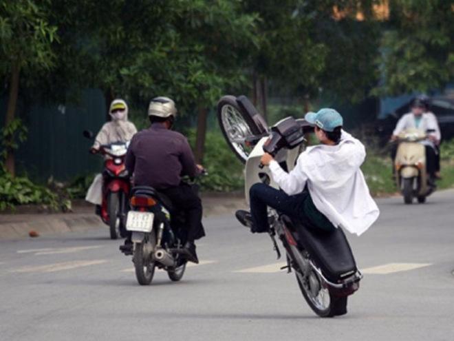 Mắc những lỗi nào thì lái xe sẽ bị tịch thu xe máy? - 1