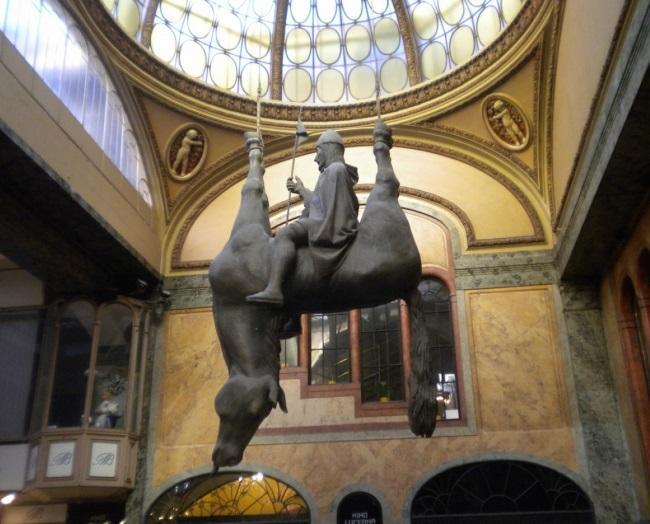 Những tác phẩm điêu khắc đáng sợ nhất thế giới khiến du khách phải bàng hoàng - 13