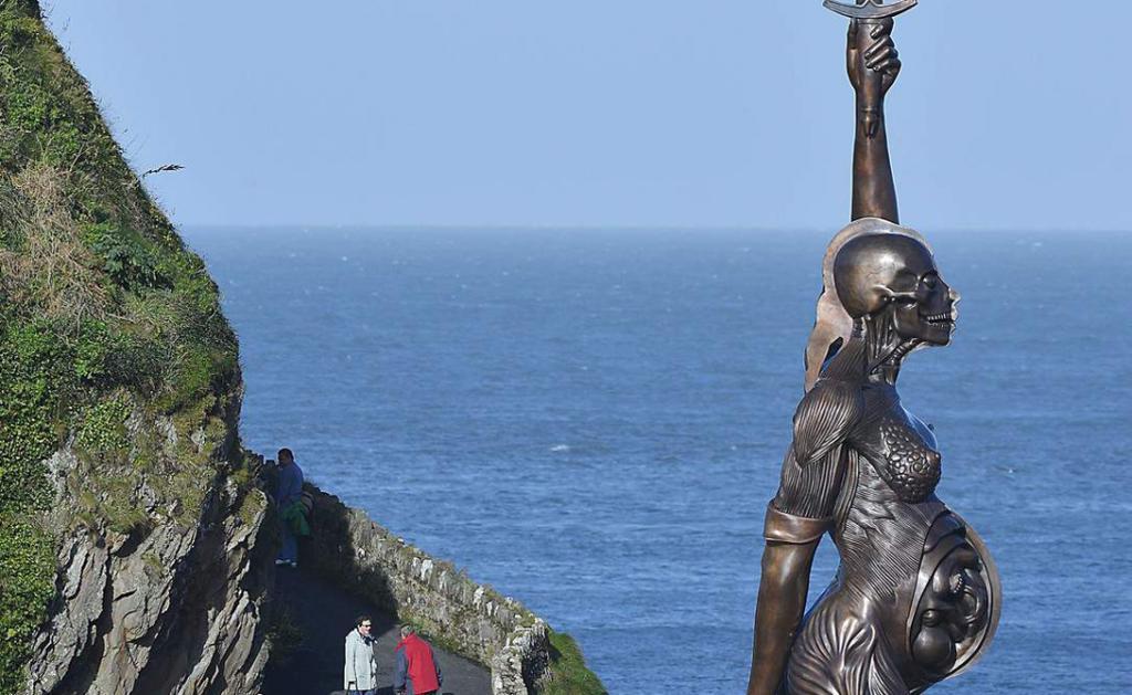 Những tác phẩm điêu khắc đáng sợ nhất thế giới khiến du khách phải bàng hoàng - 7