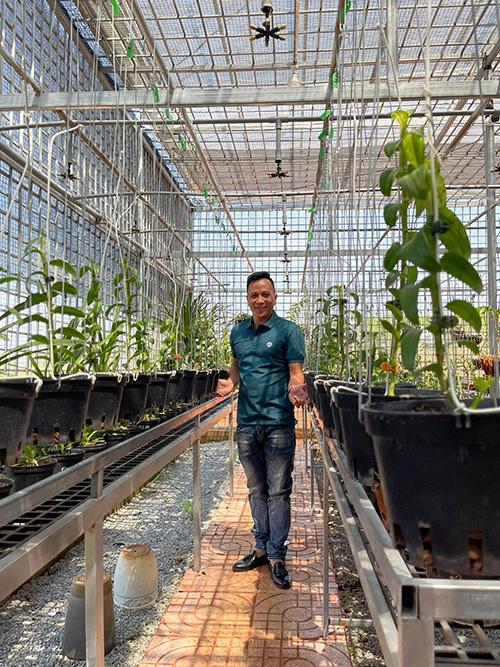 Ông chủ vườn lan Hạo Hạo: Dành dụm tiền lương ít ỏi để thử sức cùng hoa lan - 1