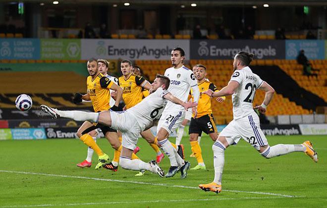 Video Wolverhampton - Leeds: Bàn đá phản quá đen đủi, tiếc nuối phút 90+3 - 1