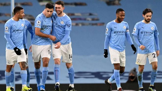 """Man City thắng như chẻ tre vẫn bị chê """"rùa"""", kém Arsenal bất bại và MU """"ăn  3"""""""