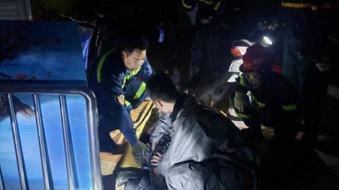 6 người ngạt khói thoát nạn an toàn tại đám cháy trong đêm - 1