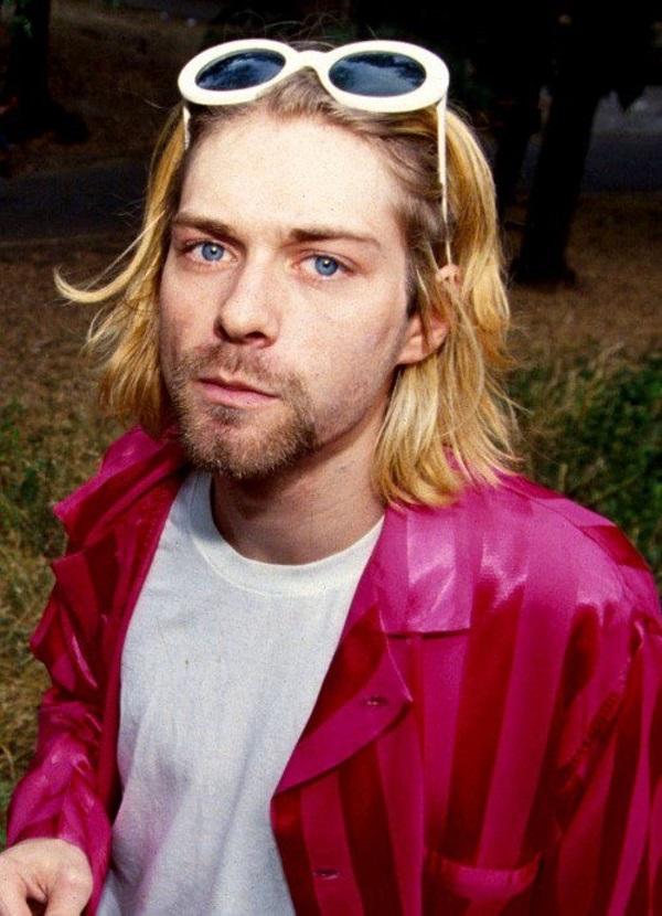 Thủ lĩnh nhóm Rock Nirvana: Biểu tượng style thời trang phóng khoáng của giới trẻ - 2