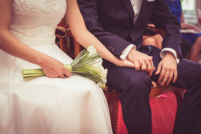 Lý do khiến của cô gái xấu xí cưới được anh chồng điển trai - 1