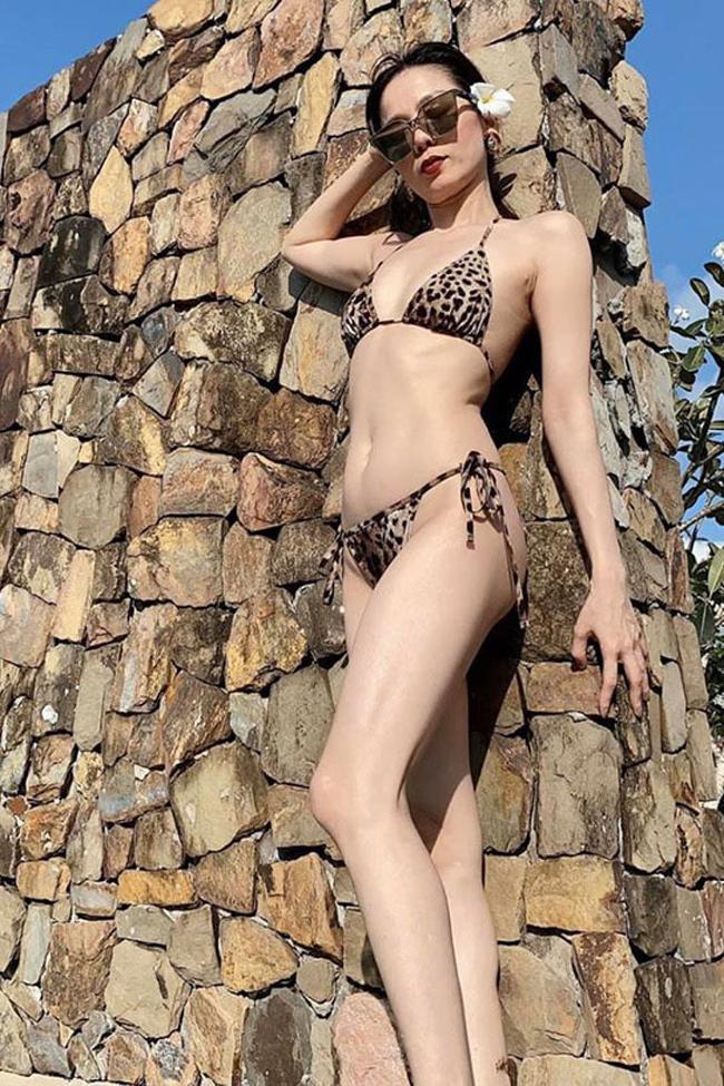 Ở tuổi 40, Lệ Quyên vẫn có được body nuột nà không kém cạnh gì các hot girl.