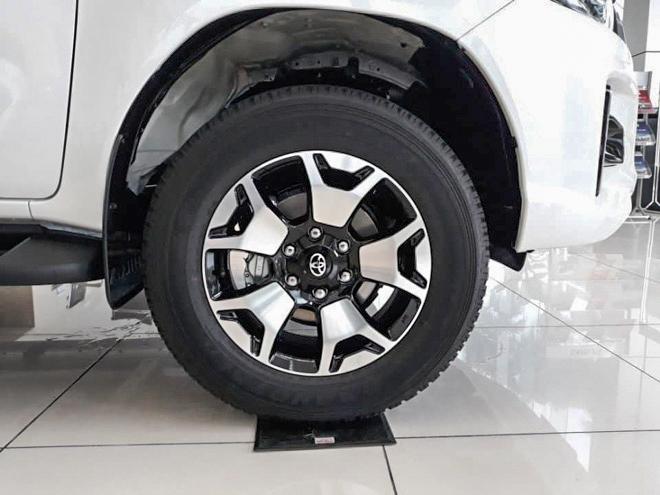 Toyota Việt Nam triệu hồi hơn 1.900 xe bán tải Hilux vì lỗi trợ lực phanh - 4