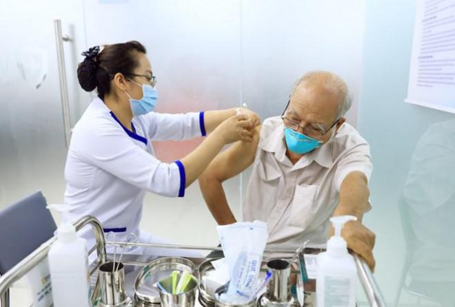 Hành trình đưa lô vắc xin ngừa COVID-19 đầu tiên về Việt Nam - 1