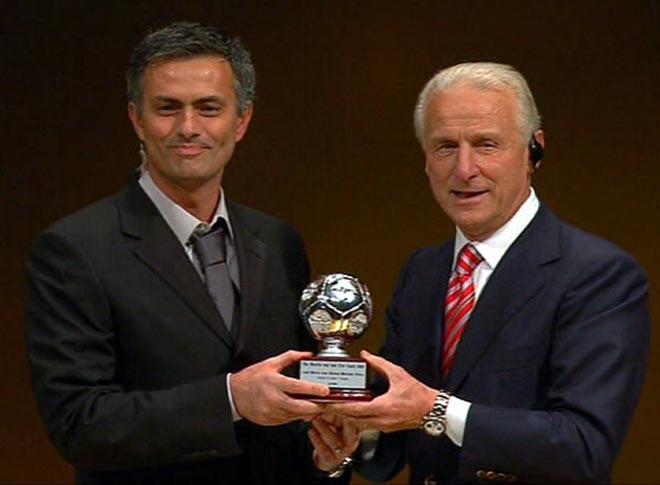 """Tranh cãi Mourinho HLV xuất sắc nhất thế kỷ: Vì sao """"người đặc biệt"""" được chọn? - 2"""