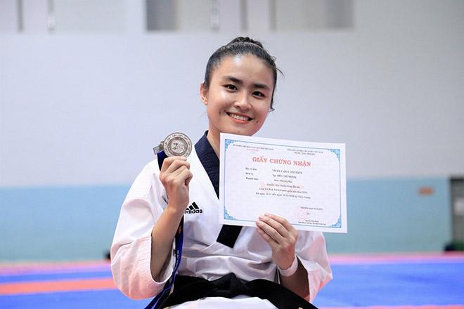 Trần Cao Cẩm Tiên: Thành tích học cực khủng của nữ vô địch Taekwondo - 1