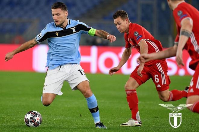 """Tưng bừng Cúp C1: Lewandowski giúp Bayern """"hủy diệt"""" Lazio trên đất Italia - 1"""