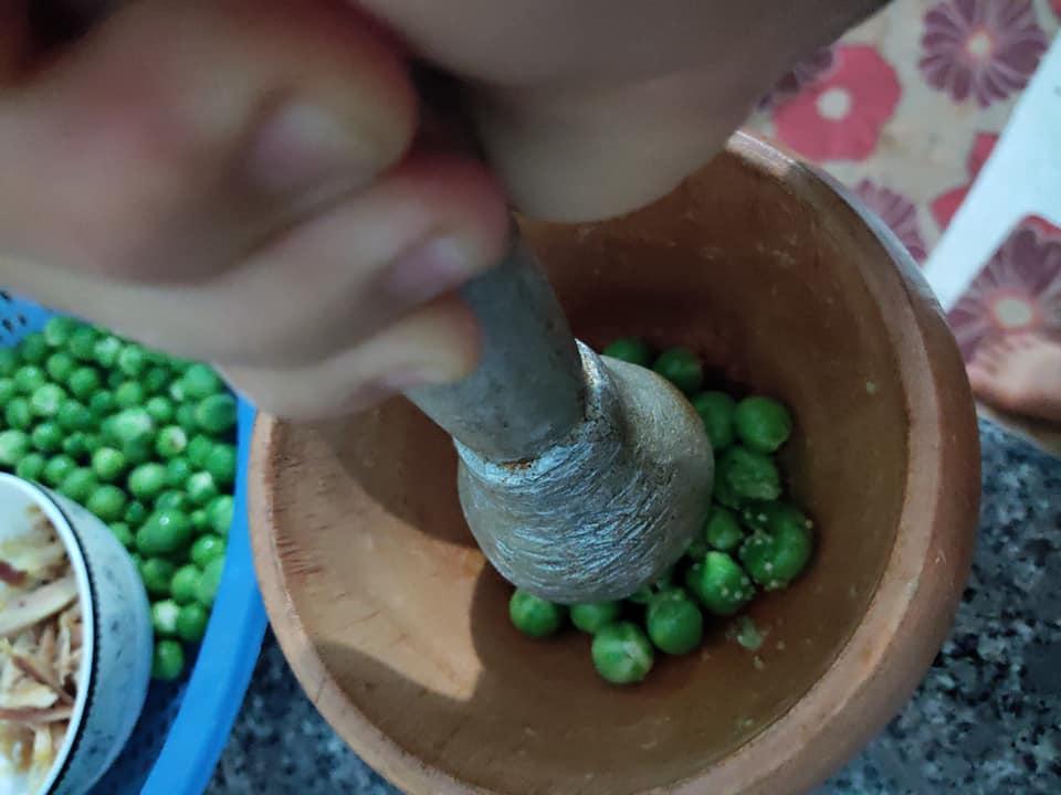 """Nấm mối nấu với rau dại trong vườn thành món """"gây thương nhớ"""" - 3"""