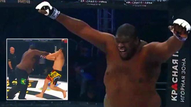 Tái mặt võ sĩ nặng gần 2 tạ bị thua sốc sau khi ...ăn mừng chiến thắng - 1