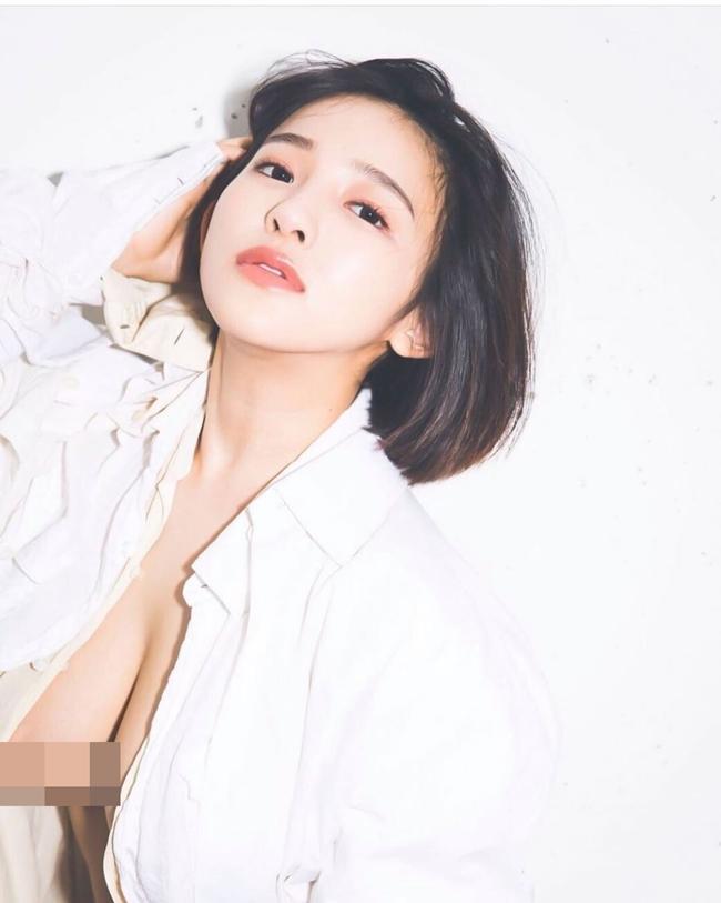 Jun Amakisinh ngày 16/10/1995 là người mẫu, cựu thành viên nhóm nhạc thần tượng Nhật Bản