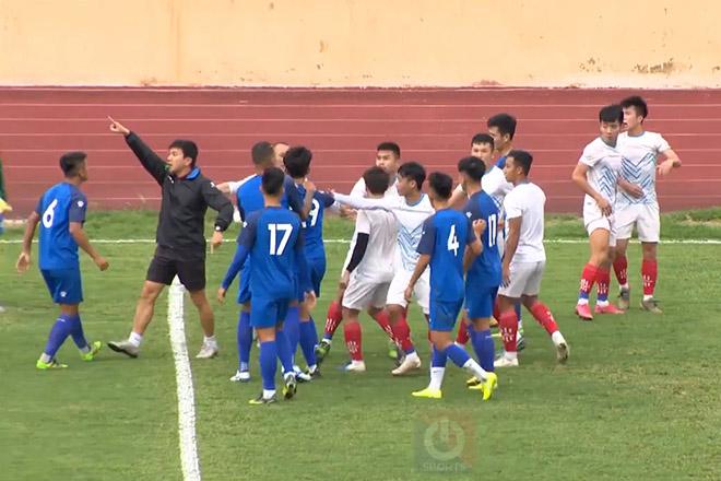 Choáng: Cầu thủ Nam Định - Phú Thọ ẩu đả trong trận giao hữu - 1