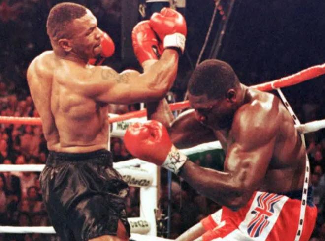 Siêu võ sỹ bỏ nghề vì bị Mike Tyson đo ván, tiết lộ chuyện khó ngờ - 1