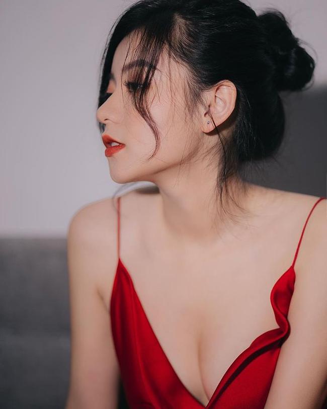 Trang Lucy là một cô gái năng động, từng thử sức với nhiều công việc khác nhau ngay khi còn ngồi trên ghế nhà trường.