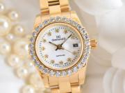 Đồng hồ thời trang dành riêng cho phái đẹp ngày 8/3 giảm giá đến 50% mua ngay
