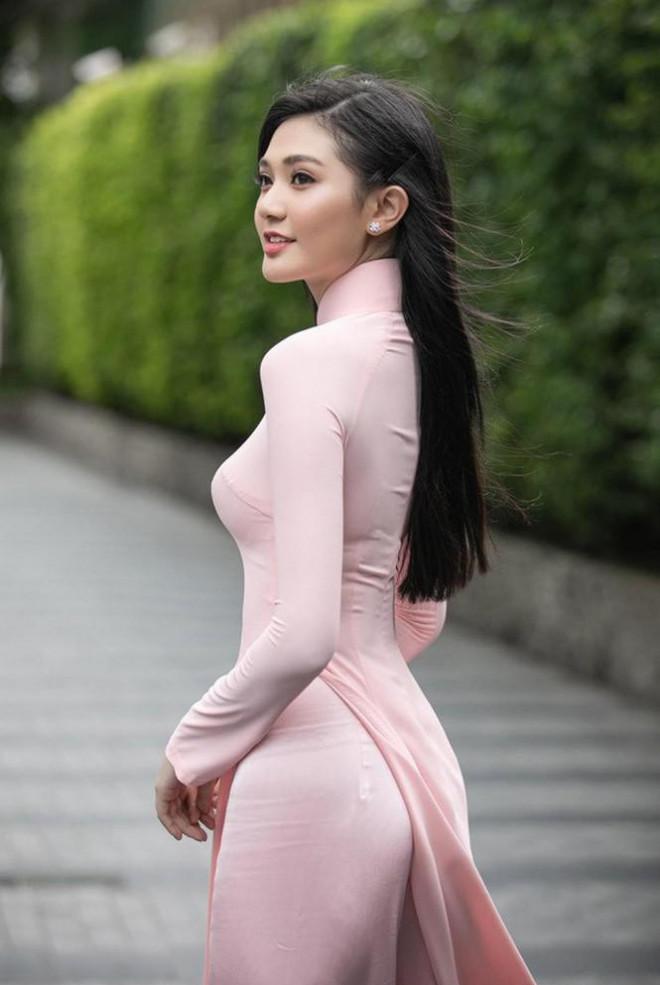 Nhan sắc kiều diễm của Hoa khôi Đại học Hoa Sen từng thi Hoa hậu Việt Nam 2020 - 1