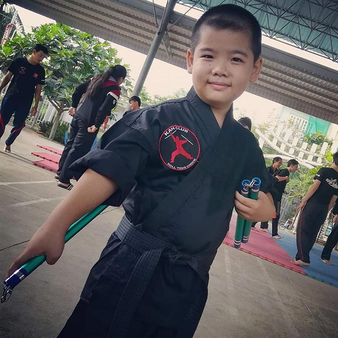 """""""Lý Tiểu Long nhí"""" làng võ Việt 11 tuổi múa song côn nhị khúc đáng nể - 1"""