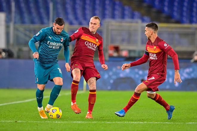 Video AS Roma - AC Milan: Penalty mở điểm, bám đuổi ngôi đầu - 1