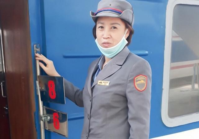 Nữ nhân viên đường sắt trả lại hàng chục triệu đồng cho người đánh rơi - 1
