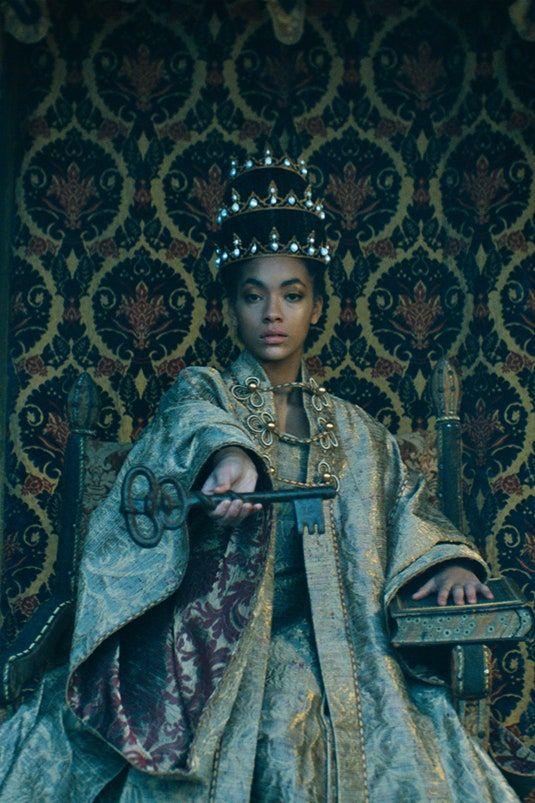 """Từ ngựa trắng của Chanel đến bài tarot của Dior là xu hướng """"ảo tưởng"""" thịnh hành nhất năm 2021 - 6"""