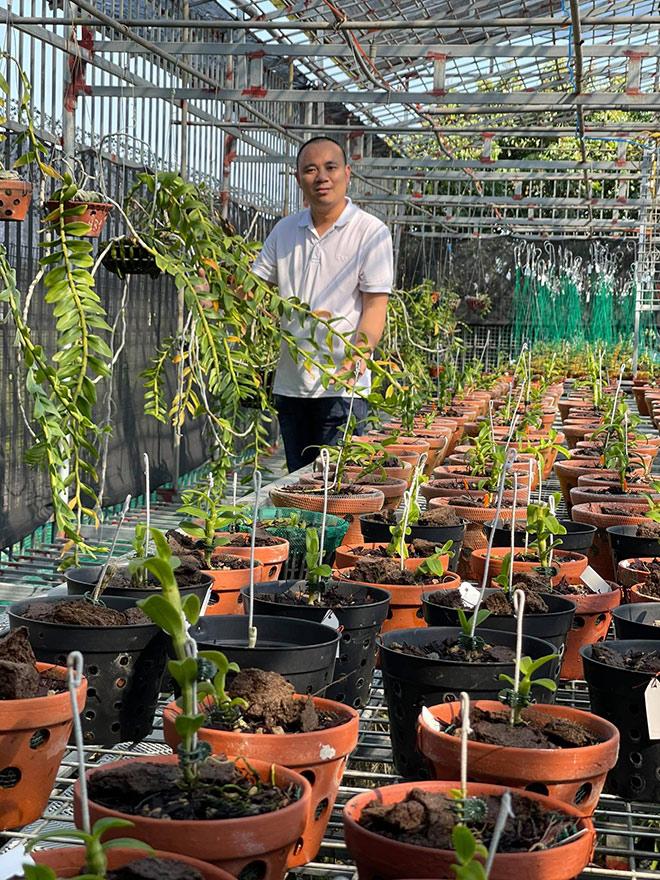 Nghệ nhân Đinh Quyền - Ông chủ vườn lan nổi tiếng Ninh Bình - 1