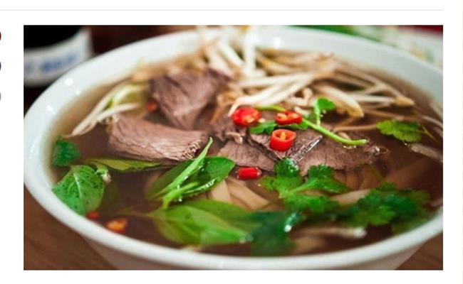 """Những món bình dân ở Việt Nam như phở, cơm chiên, bánh mỳ... nay được nâng tầm với nguyên liệu đắt đỏ thượng hạng. Những phiên bản """"thượng hạng"""" này có giá bán cao gấp cả trăm lần so với thị trường."""