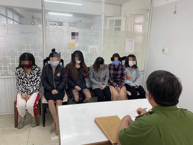 """Đặng Thị Hương lập """"Tập đoàn phò"""", """"Những nàng kiều"""" để điều hành môi giới mại dâm - 1"""