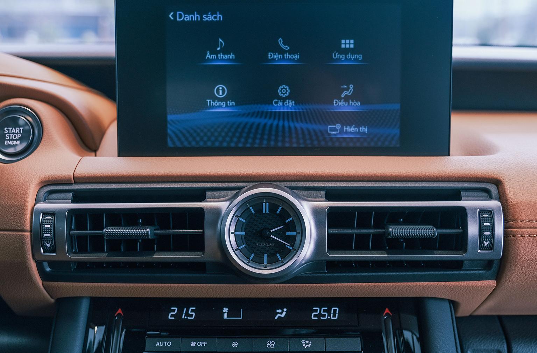 Lexus IS 2021 - Khi sang trọng, thể thao hoà quyện làm một - 24
