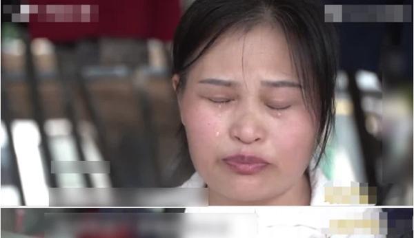 Mẹ tố các con ruồng rẫy nhưng câu chuyện của con gái khiến trường quay chết lặng - 1