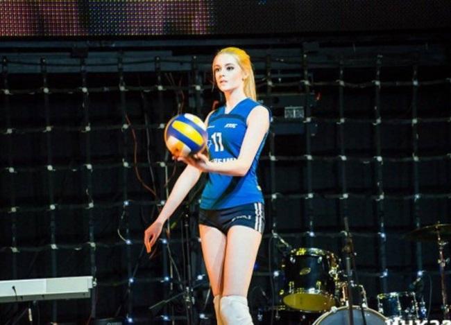 """Hoa khôi bóng chuyền Nga, Albania tận dụng nhan sắc trời ban để """"lấn sân"""" hoa hậu - 1"""