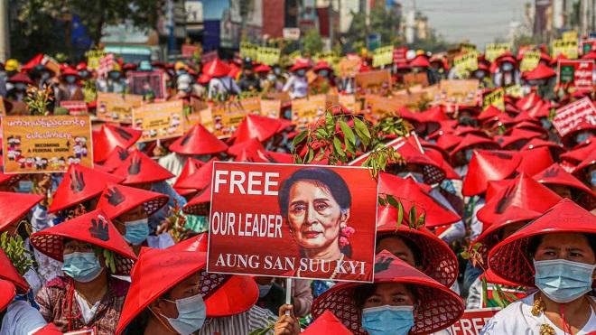 Thế lực có thể quyết định tình thế ở Myanmar sau đảo chính - 1