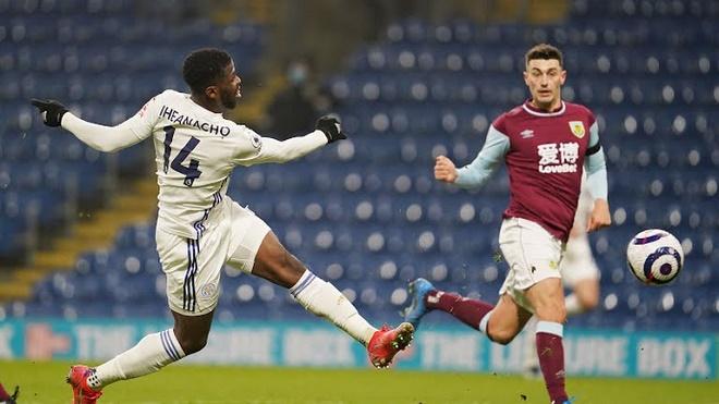 """Video Burnley - Leicester City: Siêu phẩm mãn nhãn, """"người nhện"""" trổ tài - 1"""