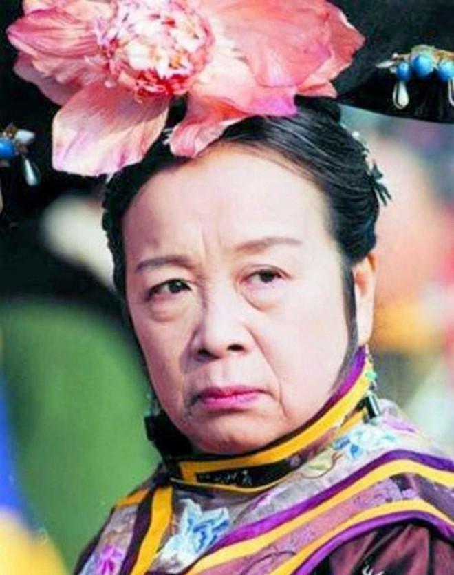 """Nhan sắc xinh đẹp năm 26 tuổi của """"Dung Ma Ma"""" Hoàn Châu Cách Cách - 1"""
